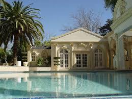 srk home interior shahrukh khan house email hoax
