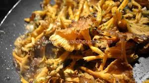 cuisiner des chanterelles poêlée de chanterelles recette par l eau à la bouche