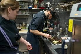 commis de cuisine fiche m ier cuisinier cuisinière onisep