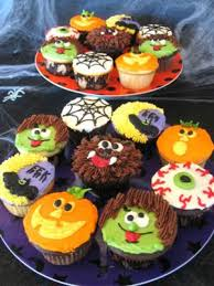 100 halloween cupcake cakes ideas halloween two tone rose