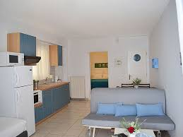 One Bedroom Apartment For Rent by Holiday Waterfront One Bedroom Apartment On The Beach Kiveri