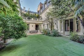 a mansion with a green oasis u2014 in paris u0027s 16th arrondissement