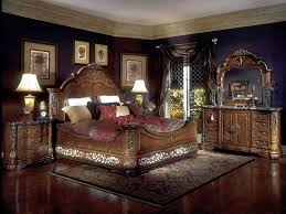 queen bedroom bedroom furniture with dark wood floors