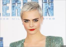 bare breast whoops cara delevingne accidentally flashes bare breast in