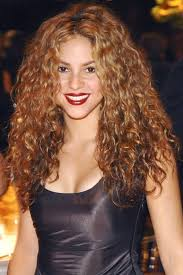 best hair color for latinas best 25 shakira makeup ideas on pinterest shakira shakira hair