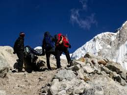 how much is it to go to the zoo lights how much does it cost to go on a mount everest base c trek a