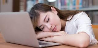 sieste au bureau faire la sieste au bureau les japonais le font pourquoi pas nous