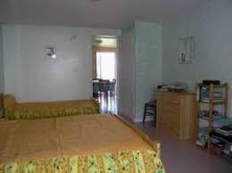 chambre d hote lancon de provence gîtes et chambres d hôtes les amandiers lancon provence 13