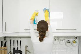 Kitchen Cabinet Cleaner And Polish Best Way To Clean Kitchen Cabinets Smarter Faster And Better