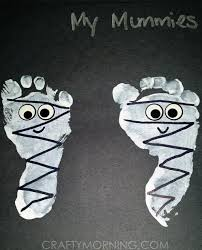 how cute are these footprint frankensteins daycare work