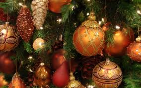 New Years Holiday Decorations the 5 pros and 5 cons to the holiday season