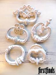 Shabby Chic Cabinet Pulls by 131 Best Knobs U0026 Handles Images On Pinterest Hardware Shabby