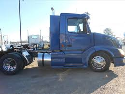 used volvo semi trucks used 2007 volvo vnl tandem axle daycab for sale in ms 6448