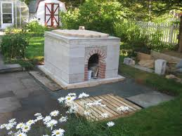wood fired oven and how to build one in your backyard
