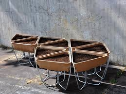 easy to assemble lightweight portable modular raised bed planter