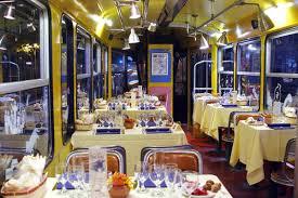 ristorante a lume di candela roma sul tram si cena a lume di candela in viaggio ansa it
