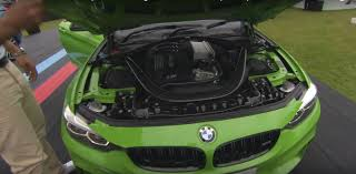 green bmw m4 verde mantis