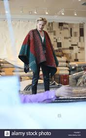 Oriental Rugs Los Angeles Sharon Stone Goes Rug Shopping At Hamilton Oriental Rugs In West