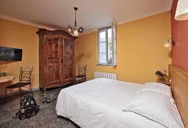 la chambre en direct un hôtel de 14 chambres dans une maisons quercynoise au cœur de