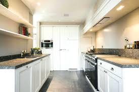 salon avec cuisine ouverte cuisine ouverte sur salon en longueur