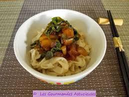 comment cuisiner les nouilles chinoises les gourmandes astucieuses cuisine végétarienne bio saine et