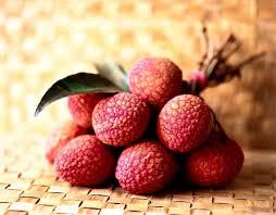 lychee fruit inside rambutan vs lychee how good are they asian fruit world