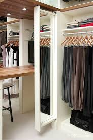 Built In Closet Drawers by 7 Factors To Choose Laminate Closet Organizer Or Wire Shelving