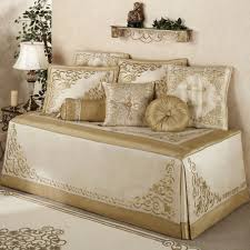 Design For Daybed Comforter Ideas Best Daybed Bedding Ideas Battey Spunch Decor