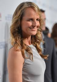 ladies hair styles with swept over fringe layered curly hairstyle with side swept fringes helen hunt s