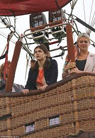 Seeking Balloon Cast Kate Upton And Alexandra Daddario Jump In Air Balloon For The