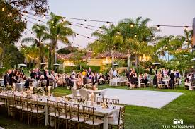 how to pick a wedding venue traditional vs non traditional