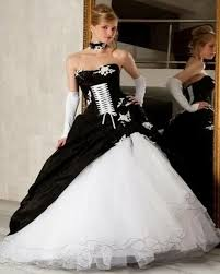 white and black wedding dress 2017 gothic ball gown vestidos de
