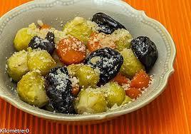 cuisiner des carottes à la poele recette de poelée de choux bruxelles aux carottes et pruneaux