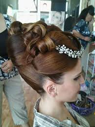 sissy hairstyles chignon boucles et banane updos pinterest updo updos and
