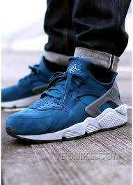 best shoes black friday deals 2016 the 29 best images about nike air huarache mens on pinterest