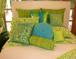 pink and white girls bedding lime green teen bedding girls comforters and bedspreads stipple