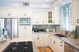 benjamin moore simply white kitchen cabinets benjamin moore white dove cabinets bm simply white undertones