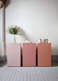 decoaddict fluor inspiration addict en det fantastiske showroom dinesen har smukke farver på væggen der