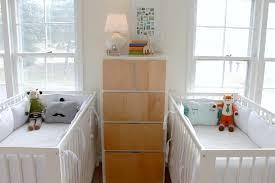 chambre de bébé jumeaux astuces déco chambre d enfants et amménagements jumeaux co le