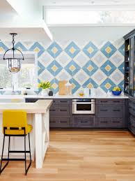 traditional kitchen backsplash 9 kitchens with show stopping backsplash hgtv s decorating