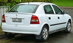 2004 holden astra hatchback u2013 pictures information and specs