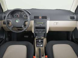 renault samsung sm7 skoda fabia 2005 picture 8 of 10