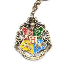 Hogwarts by Harry Potter Hogwarts Crest Keychain Noble Collection Ebay