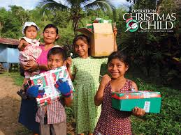 operation christmas child packing shoeboxes