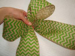 burlap wired ribbon 15 engrossing ways to make a burlap bow guide patterns