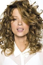 coupe de cheveux fris s femme cheveux boucles
