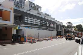 Abc Awning Awning Collapses Onto Mount Hawthorn Footpath Abc News