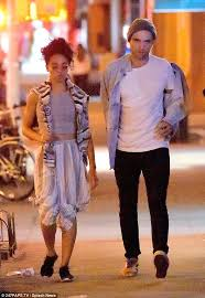 casual date robert pattinson and fka twigs enjoy casual date daily
