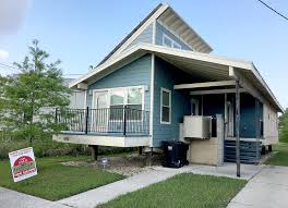 Katrina Homes Foreclosed Brad Pitt Make It Right House Listed For Sale At