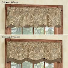 Valance Styles For Large Windows Best 25 Window Valances U0026 Cornices Ideas On Pinterest Valances